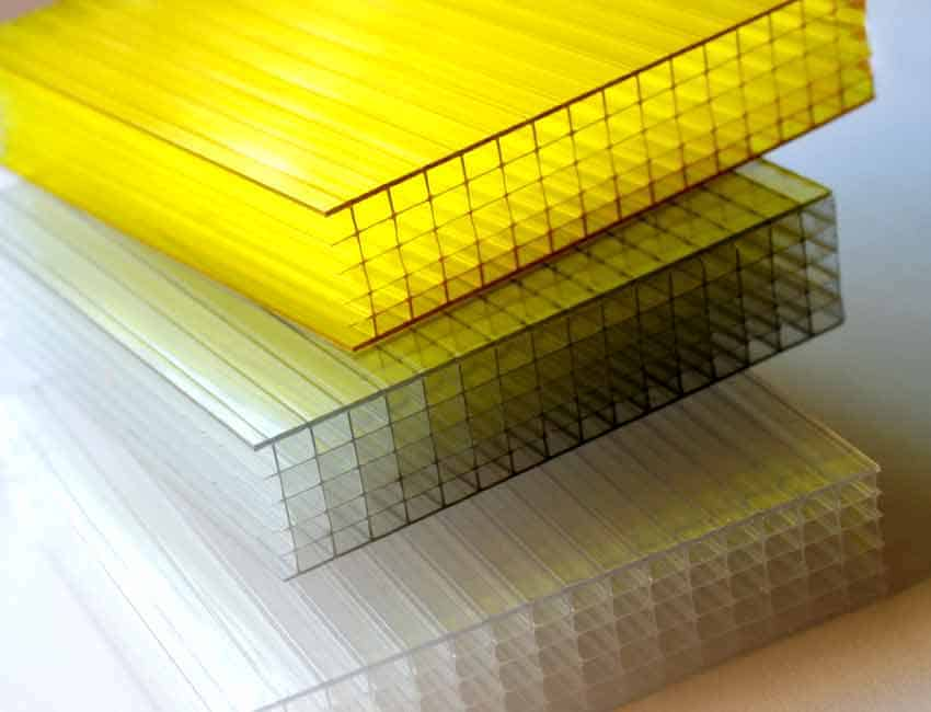 Advice to keep in mind when working with polycarbonate panels