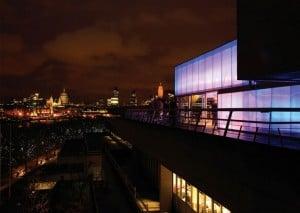 建築における夜の光を追求する