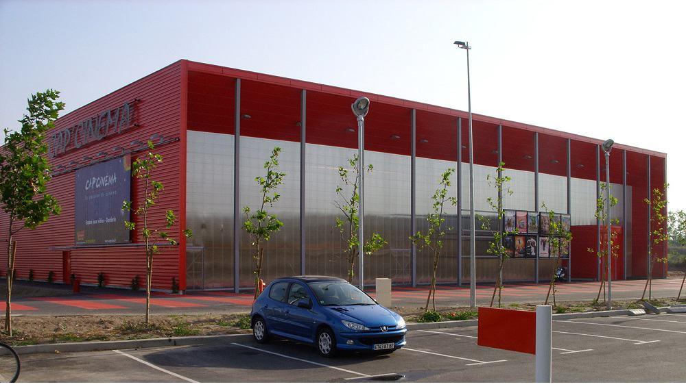 Sistema de fachadas contemporáneo con sabor a Bauhaus