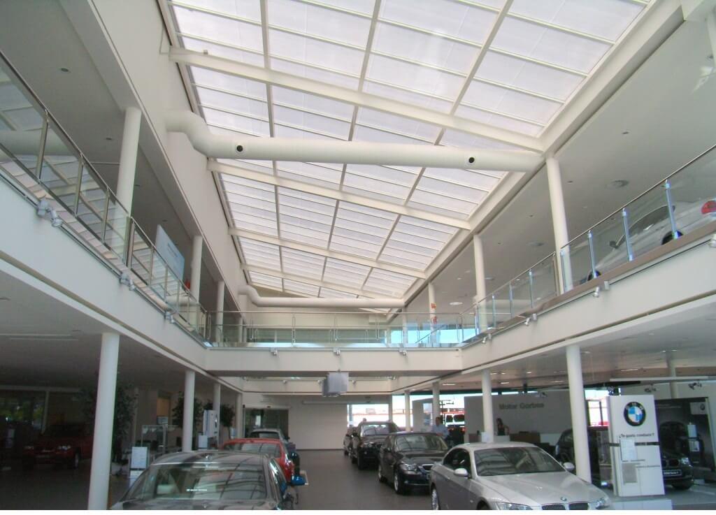 Optimiza el ingreso de luz solar para lucernarios mediante Controlite®